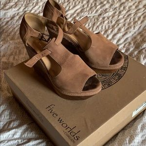 Five Worlds by Cordani wedge leather sandals